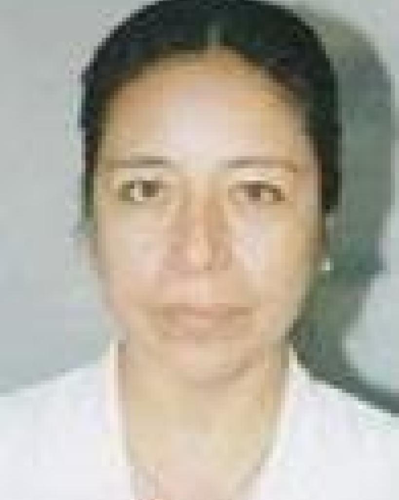 Dra. Julia Sumiré Umeres